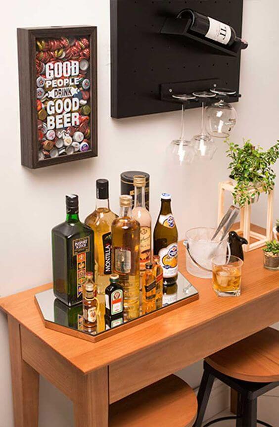 mesa com bebidas